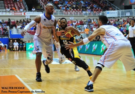 walter-hodge-vs-cangrejeros