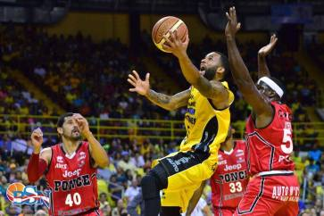 capitanes-walter-hodge-vs-leones